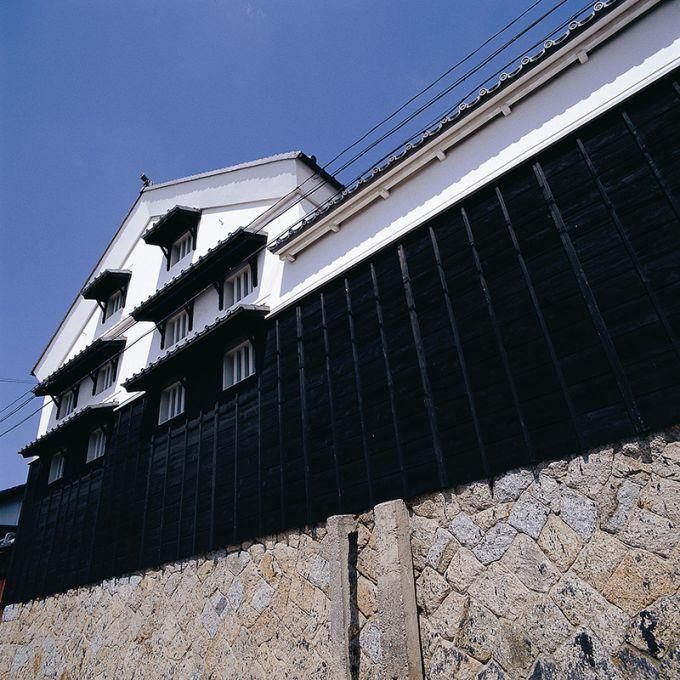 味噌蔵が並ぶ八丁蔵通り(写真提供:岡崎市)