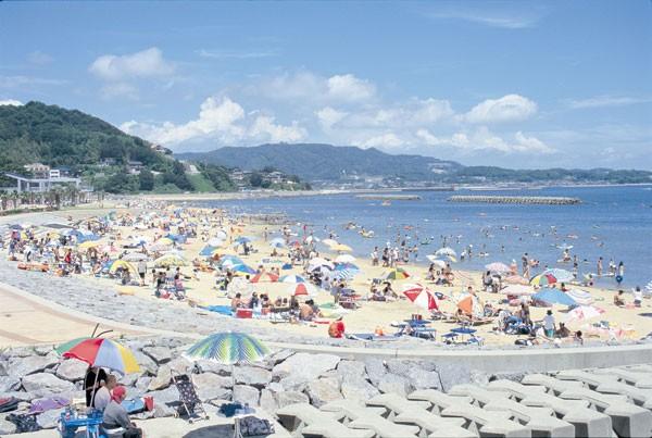 三河湾中央に位置する吉良ワイキキビーチ(写真提供:西尾市)