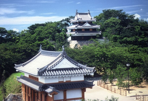 西尾城を復元した歴史公園(写真提供:西尾市)