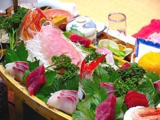 新鮮な海の幸を満喫(写真提供:東伊豆町)