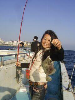 船で沖に出て海釣り(写真提供:東伊豆町)