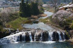 奥三河のナイアガラ「つたの渕」(写真提供:東栄町)