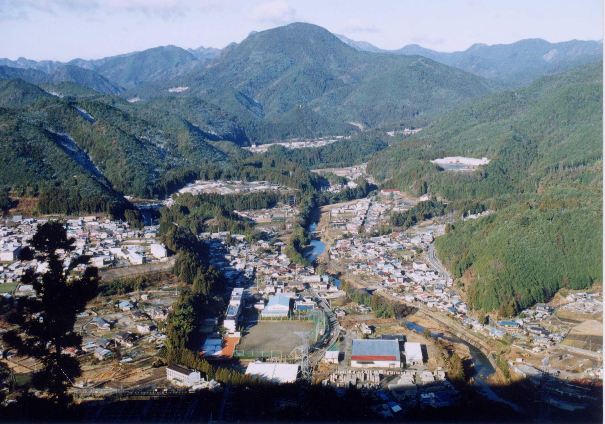 東栄町全景
