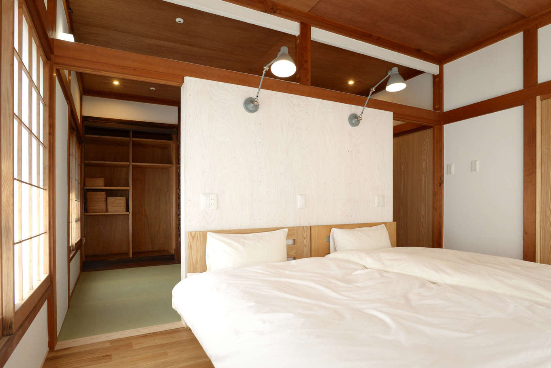 エコフィールド|和風家屋の名残を生かしつつ、昭和レトロに仕上げた寝室