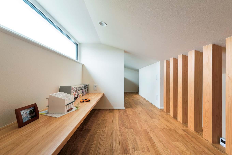 低燃費住宅 静岡(TK武田建築)【子育て、省エネ、間取り】富士山が見えるロフトはご主人の書斎