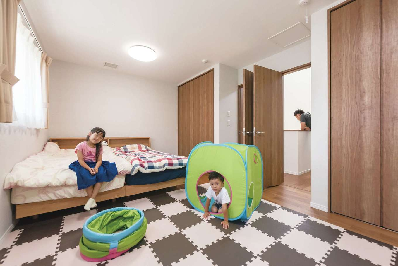 イデキョウホーム【子育て、狭小住宅、間取り】10.6畳の子ども部屋は子どもの成長やライフスタイルの変化に応じて後々仕切ることも可能