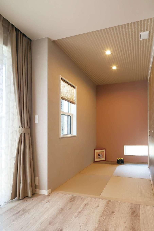 遠鉄ホーム【子育て、収納力、間取り】リビングに隣接する畳コーナーは、子どものプレイルーム、昼寝場所としても重宝する