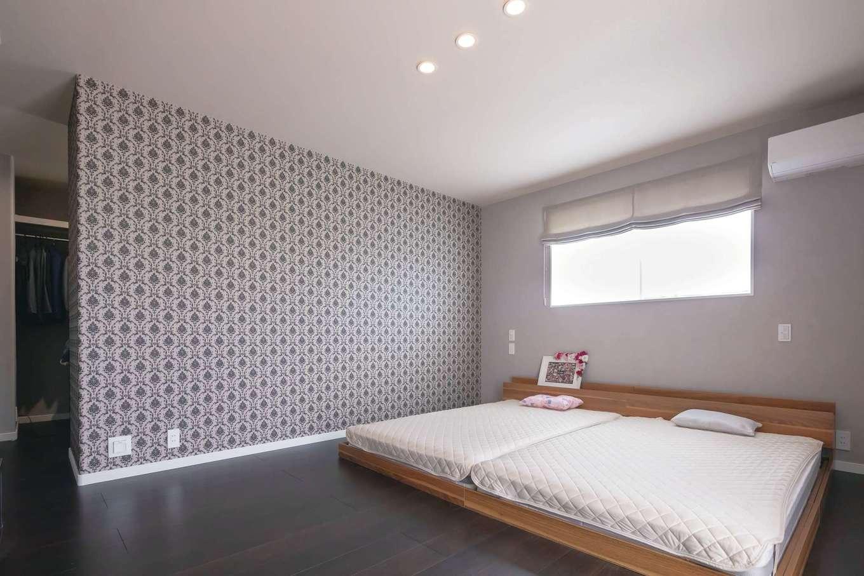 遠鉄ホーム【子育て、収納力、間取り】主寝室はリラックス感を高めるシックなインテリアでコーディネート