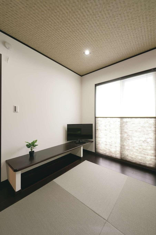 朝日住宅【デザイン住宅、子育て、間取り】和室は空間を最大限活用するため掘りごたつのカウンターに
