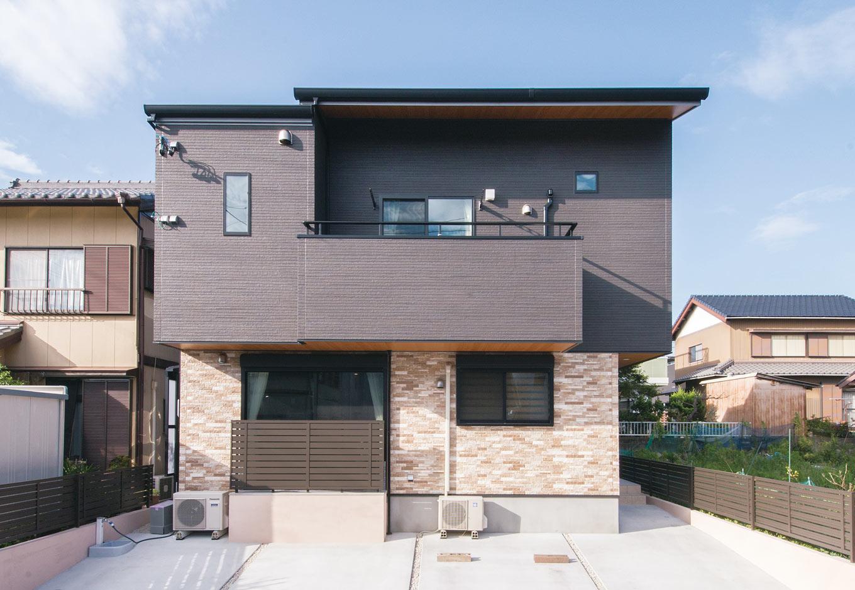 誠一建設 【子育て、二世帯住宅、間取り】上下階でカラーを変えたモダンな外観