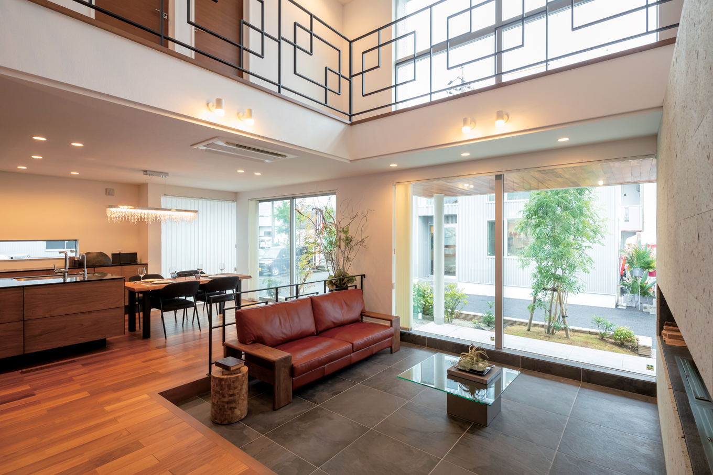 幸和ハウジング【袋井市堀越2丁目19-7・モデルハウス】SE構法ならではの大空間は実際の坪数以上に空間を広く感じる