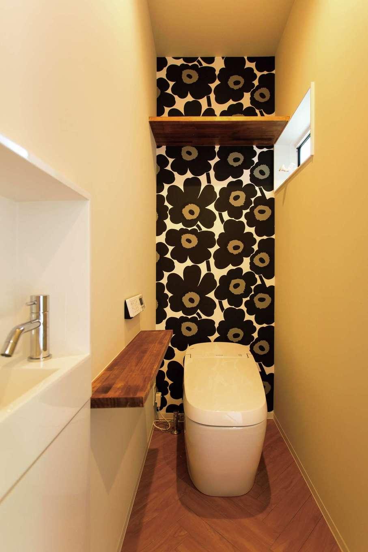 ARRCH アーチ【デザイン住宅、子育て、趣味】マリメッコのアクセントウォール、ヘリンボーンの床がおしゃれ