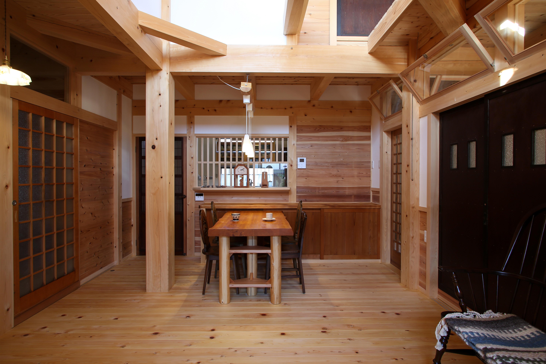 ほるくす【和風、自然素材、ペット】家で一番長く過ごす場所だからこそ開放感と安らぎを。家造りの後押しをしてくれた猫ちゃんが家ですごし易い様にキャットウォークを設置