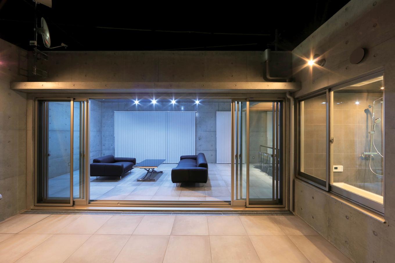 BAUM HOME(岩崎工務店)【デザイン住宅、平屋、鉄骨鉄筋コンクリート構造】中庭を中心としたロの字型のS邸。どの部屋も中庭に面しているので、BBQやホームパーティーをいつでも気軽に楽しめる