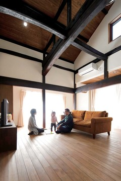 築100 年の想いを受け継ぐ 限りなく新築に近い家