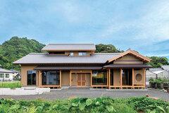 吟味された素材と和の技法 美しくも力強い二世帯住宅