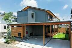 高耐震・高性能・自然素材に 遊び心をプラスした快適な家