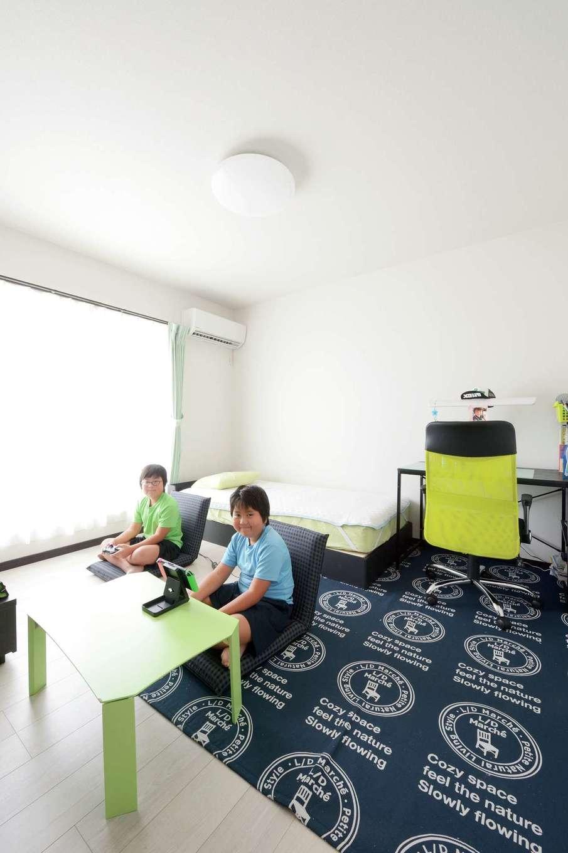 蔵一産業【デザイン住宅、子育て、間取り】南に面した日当たり抜群の子ども部屋