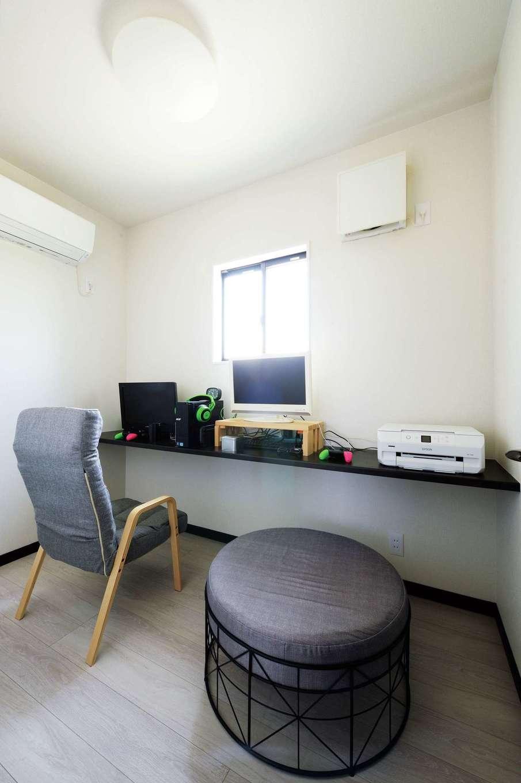蔵一産業【デザイン住宅、子育て、間取り】3畳の書斎は家族共有のゲーミングルーム