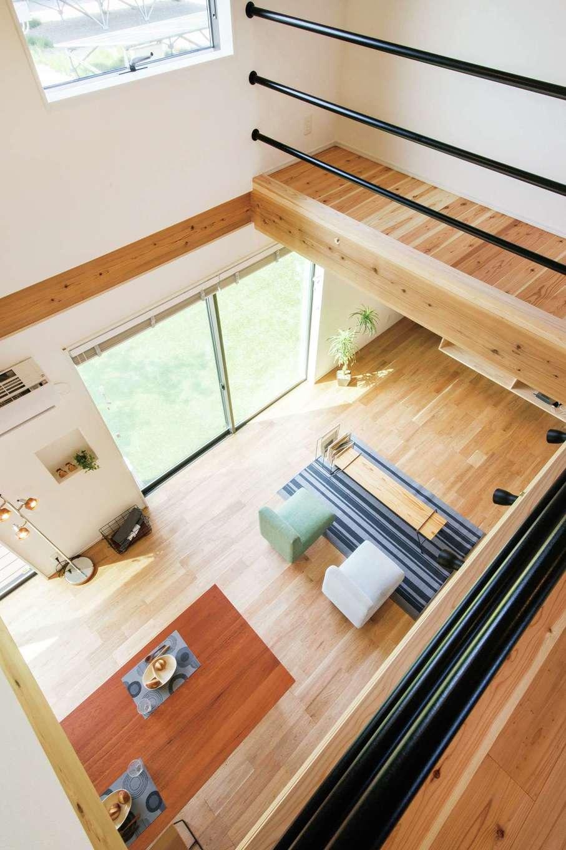 住たくeco工房【子育て、自然素材、間取り】木の調湿効果と高気密・高断熱設計により、上下階の温度差が少ないので身体への負担が少なく、光熱費も軽減