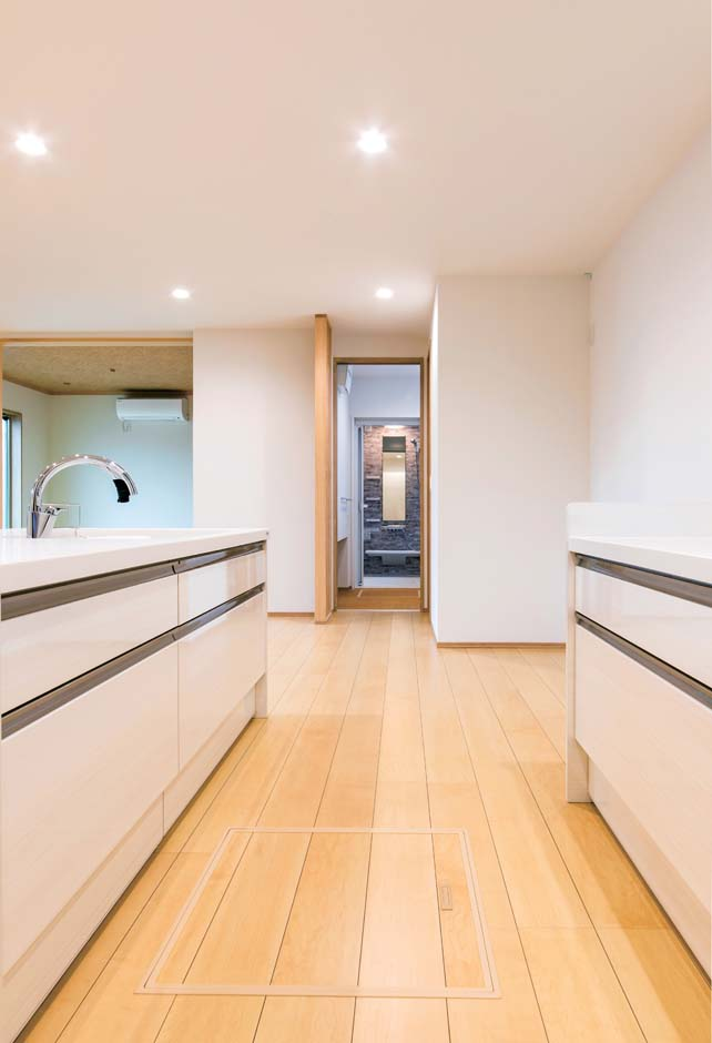 久保田建設【和風、省エネ、間取り】キッチンからサニタリーへ一直線につながる動線が家事時間を短縮