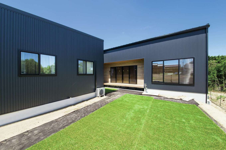 SEVEN HOUSE/セブンハウス【デザイン住宅、平屋、子育て】スペースを贅沢に使用した中庭