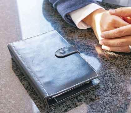 黒革のシステム手帳