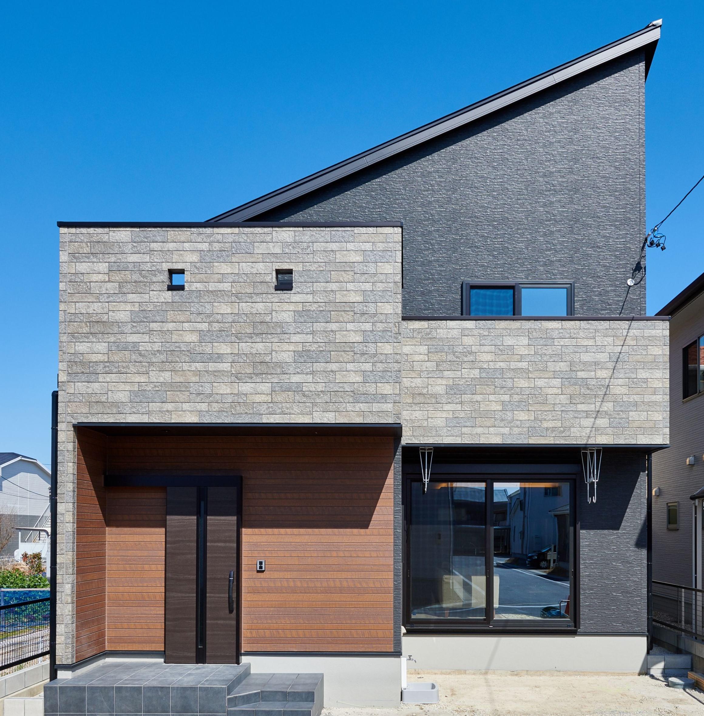 WAKO/和光地所【インテリア、デザイン住宅、子育て】目を引く、デザイン性の高い外観。カッコイイデザインにしたいというご夫妻のご要望だ