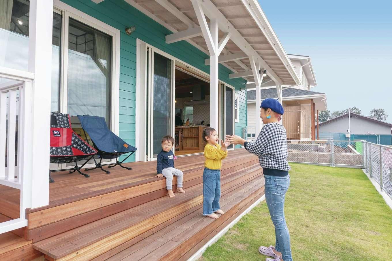 富士ホームズデザイン【子育て、自然素材、インテリア】広い庭はドッグランやBBQ、子どもプールなど、家族みんなで自由に遊べる