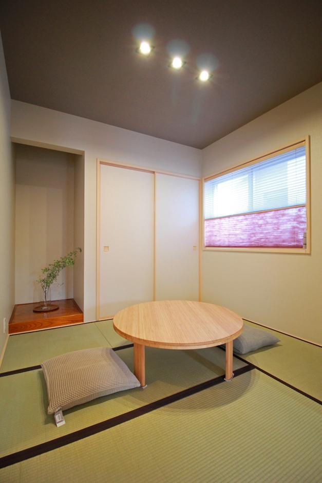 遠鉄ホーム【デザイン住宅、間取り、インテリア】和モダンのシックなインテリア。ホールから直接出入りでき、キッチン側とオープンに繋がります