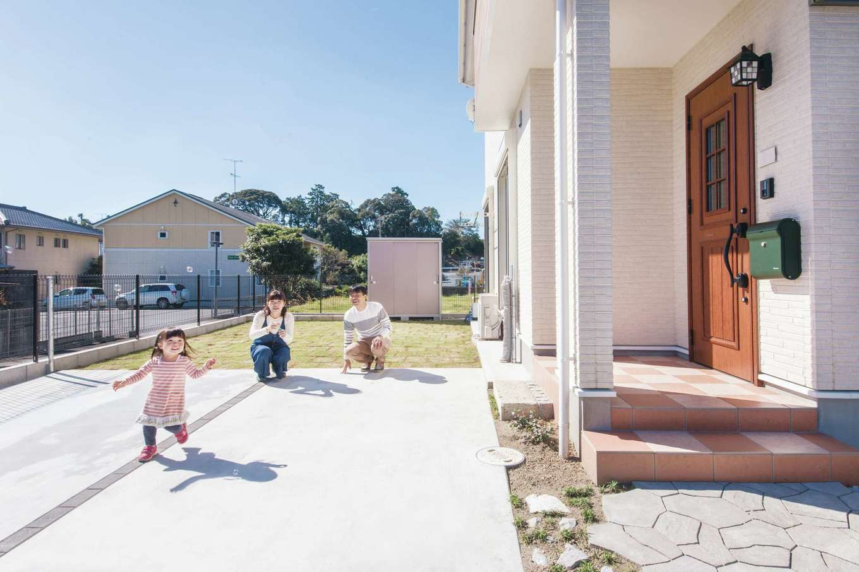 Um House(マル祐戸田建築)【子育て、収納力、間取り】子どもをのびのび育てられる広い庭のある暮らしは、戸建て住宅の醍醐味