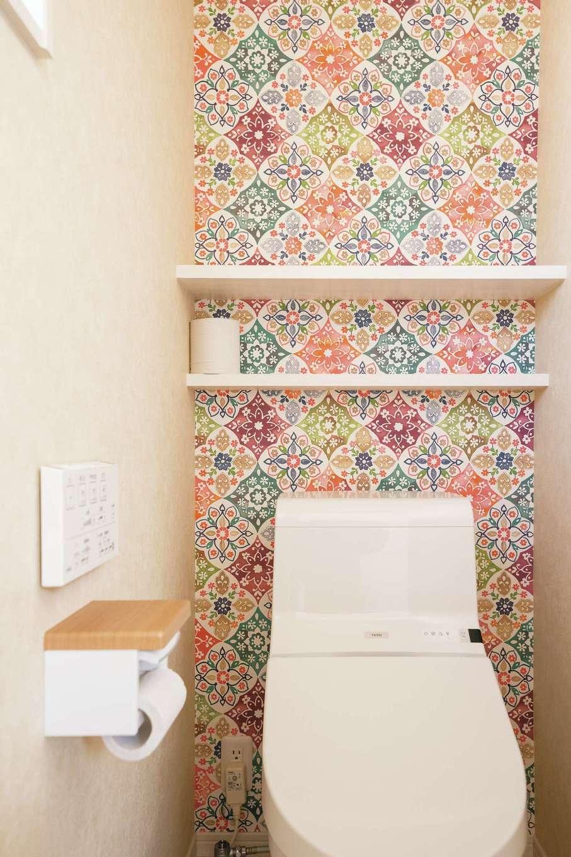 四季彩ひだまり工房 高田工務店【デザイン住宅、子育て、間取り】トイレも空間ごとにクロスを変えて暮らしを楽しむ