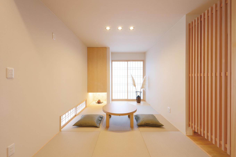 Yamaguchi Design 【掛川市南西郷401-35・モデルハウス】2か所の窓から暖かい日差しが差し込む和室