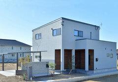 LDKも収納もワイドな空間で家族がのびのび暮らす家