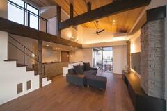リゾート感覚で暮らすスカイバルコニーのある家
