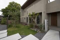「自然」と寄りそい、ボタニカルな暮らしを愛でる家