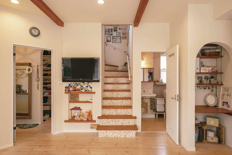 キッチンとバスルームとの動線が短く、生活しやすい