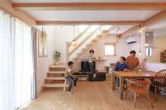 コンパクトでも豊かに暮らせる「木造ドミノ」の家にして正解でした