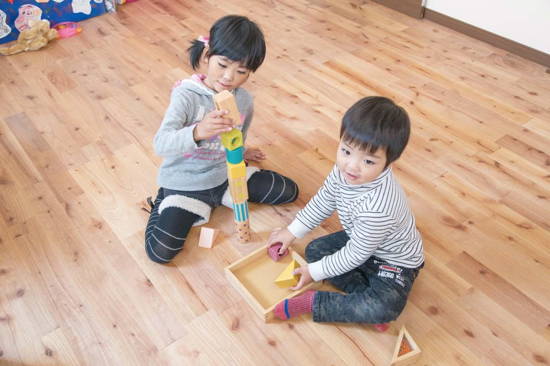 子ども部屋は成長にあわせて、分割する造り。LDKを経由する周遊動線が、楽しさと家族のつながりを育む