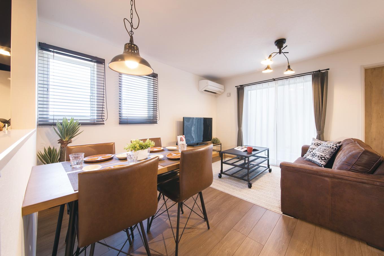 suzukuri 浜松店【浜松市西区志都呂2-25-3・モデルハウス】モデルハウスはナチュラルな空間をベースに、シャビーシックな建具、インダストリアルな家具をミックスしている
