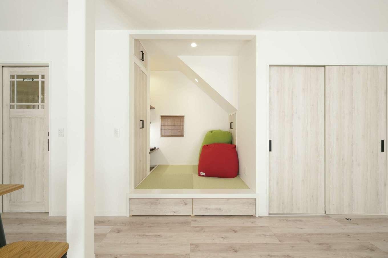 ほっと住まいる|押入れだった箇所を小上がりの畳コーナー兼掘りごたつ式の書斎に。下部は収納