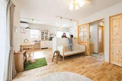 本物の自然素材でつくるカフェスタイルの心地いい家