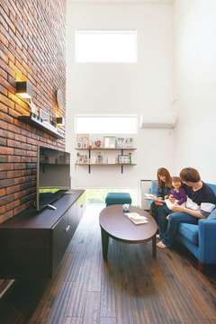 「納得デザイン」×自然素材で、平屋から2階建てへと華麗に変身!