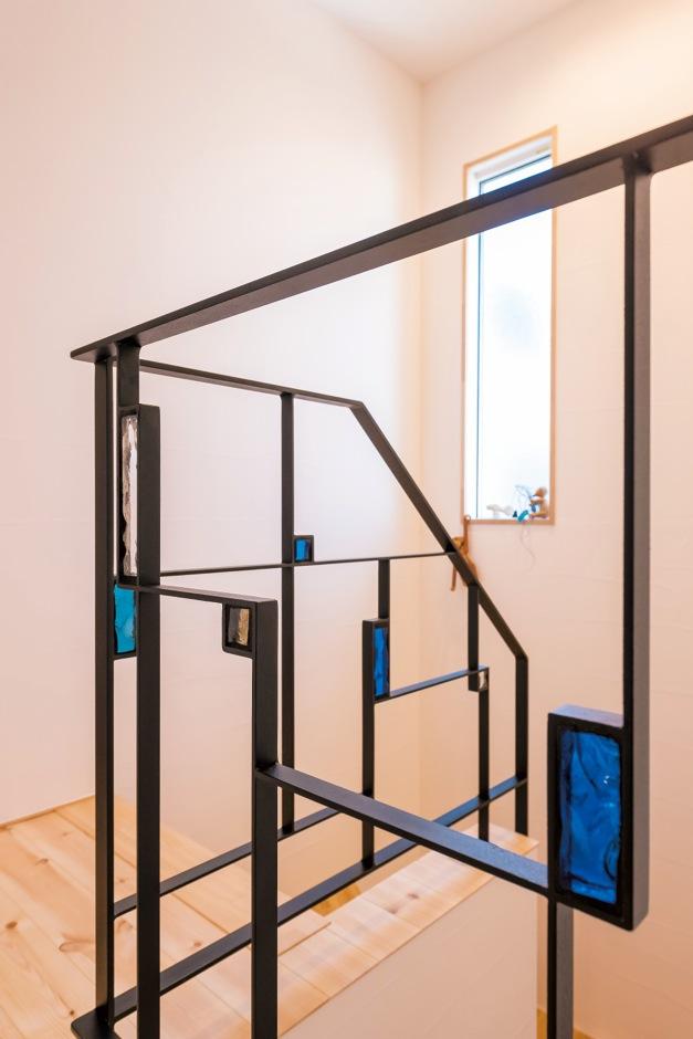 建具から取手、階段手すりまですべてオリジナル