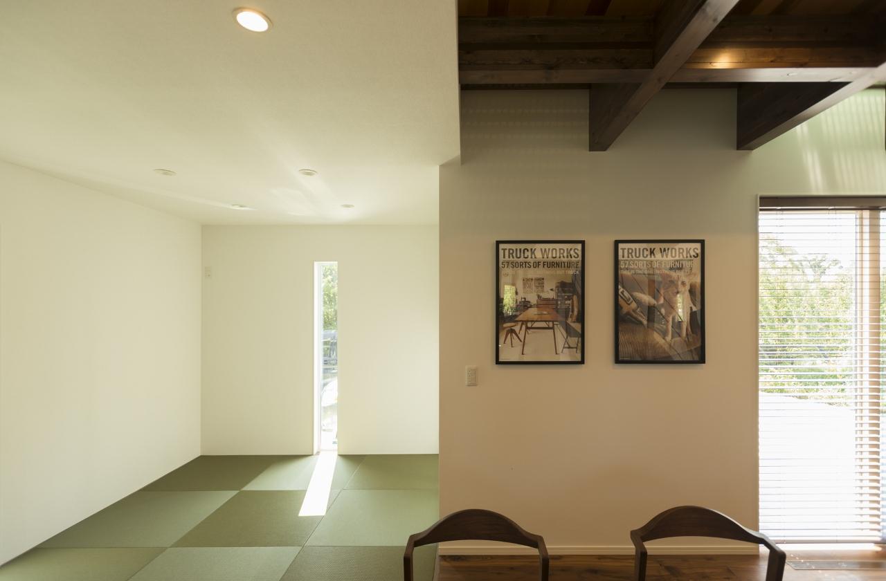 R+house 浜松中央(西遠建設)【デザイン住宅、趣味、建築家】ときにはご主人も加わって、タペストリーなどインテリアアイテムを夫婦で作るという