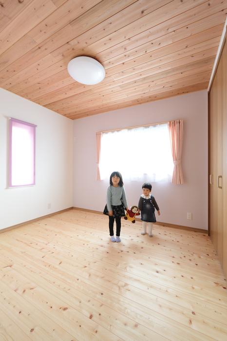 片川工務店【収納力、自然素材、インテリア】子ども部屋は2部屋用意。収納もたっぷり