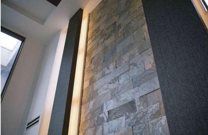 熟練職人による石壁が作る リュクスな空間を体感