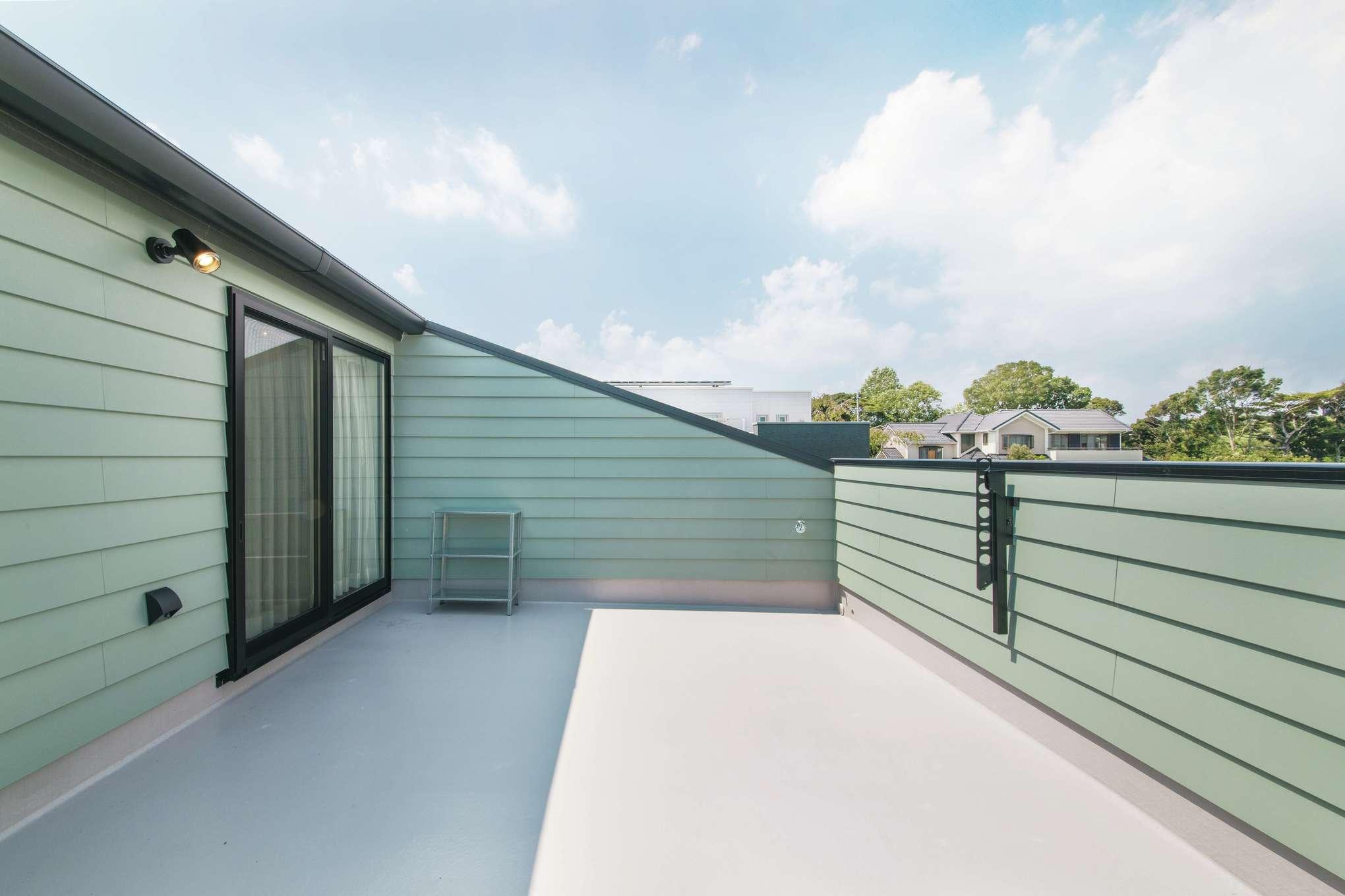 木場建築設計 KIBA-AD【デザイン住宅、屋上バルコニー、趣味】洗濯物を干すだけでなく、グランピングなども楽しめるルーフバルコニー