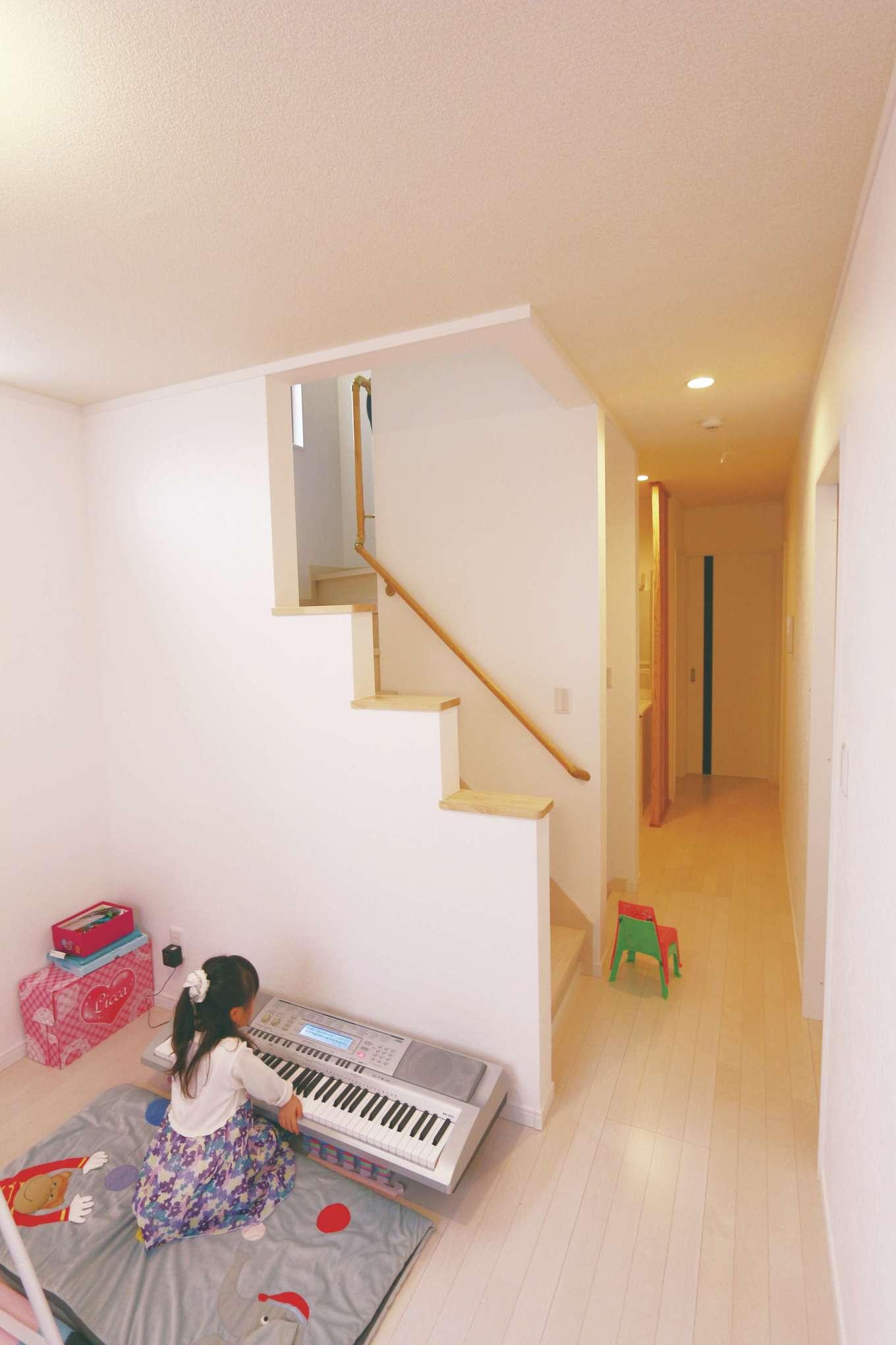 じゆうの家(藤田建設)【1000万円台、子育て、自然素材】2階には、子ども部屋2室と主寝室があり、廊下で繋がる