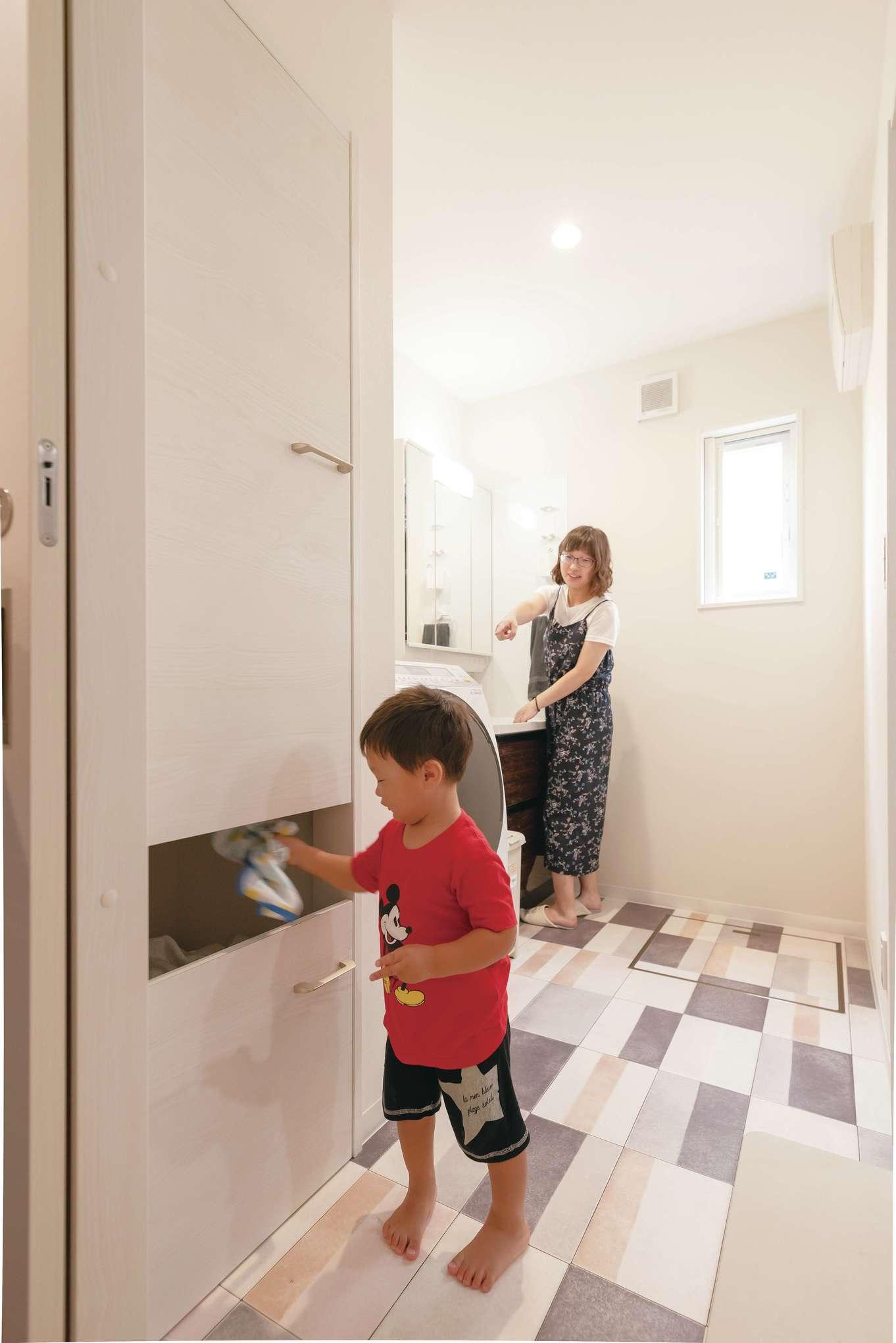 irohaco (アヴァンス)【1000万円台、デザイン住宅、子育て】ランドリールームにはスマートで便利な洗濯かご置き場も